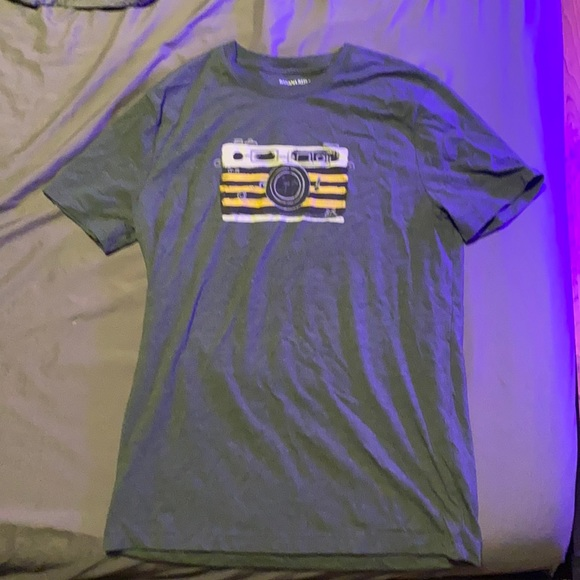 Banana republic graphic t-shirt, only worn 2 times